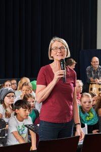 Bild 1 Begrüßung durch Frau Oppenhoff